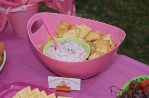 Pita Chips with Pink-a-Dip